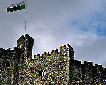 'Cardiff Castle keep' by [Duncan]